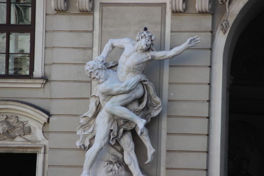 Statue an der Hofburg